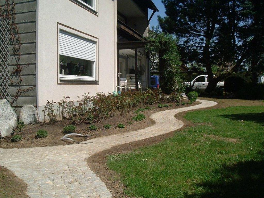 weg-granitpflaster-1024